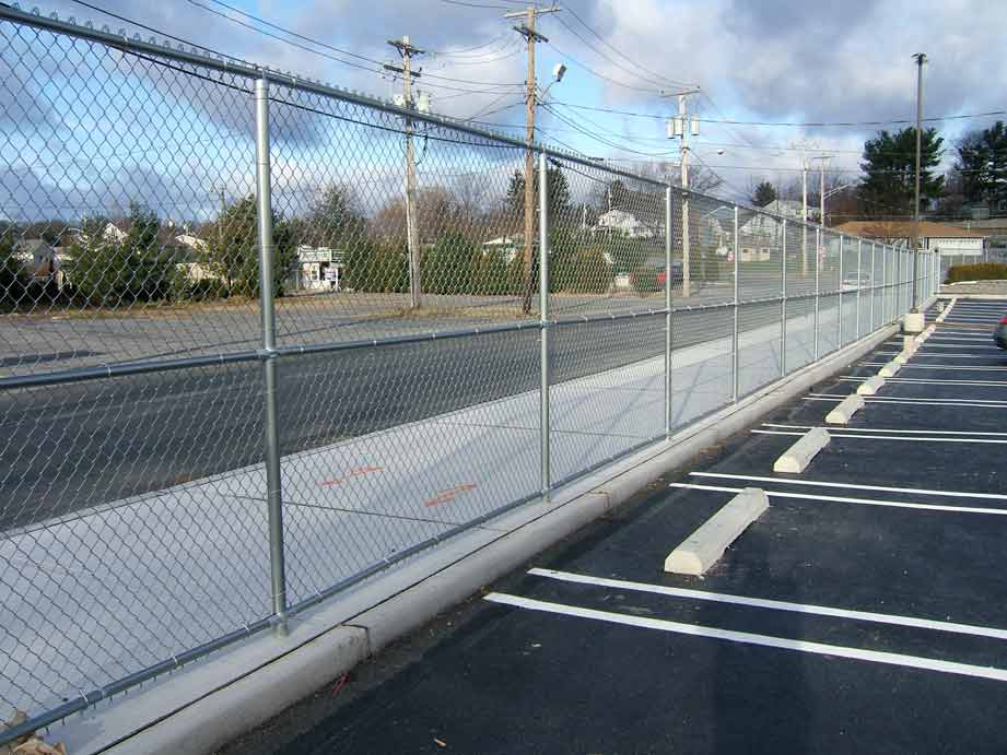 8' Galvanized Chain link with 3 Rails